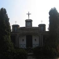 domecko-pomnik-poleglych-1