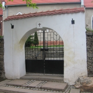 gola-swidnicka-kosciol-brama