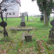 hazlach-kosciol-ewangelicki-cmentarz
