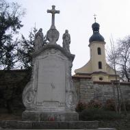 hlucin-kosciol-cmentarny-krzyz-2