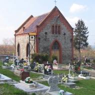 jaroszow-cmentarz-kaplica