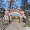 jaroszow-cmentarz-brama