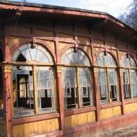 jerzmanice-zdroj-stacja-wiata-2.jpg