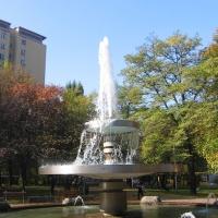 katowice-fontanna-plac-hlonda-1.jpg