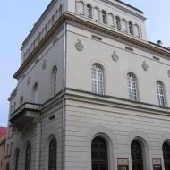 legnica-rynek-teatr-1.jpg
