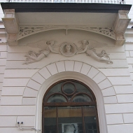 legnica-rynek-teatr-portal.jpg