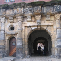 legnica-zamek-brama-1.jpg