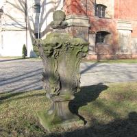 leszno-kosciol-sw-krzyza-lapidarium-15.jpg