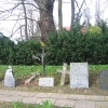 ubowice-dawny-cmentarz-nagrobki-2