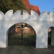 malkowice-kosciol-brama