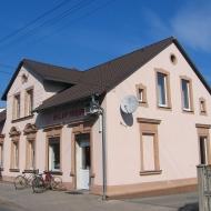 murow-budynek