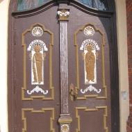 narok-kosciol-drzwi