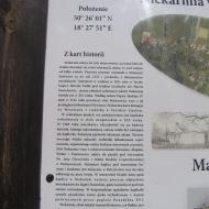 niekarmia-kapliczka-tablica