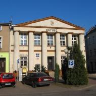 olesno-rynek-ratusz-4