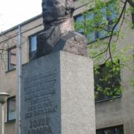 olesno-pomnik-lompy