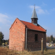 osiny-kosciol-kaplica-cmentarna