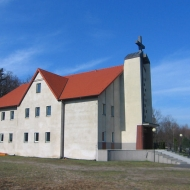 ostrzeszow-cmentarz-kaplica