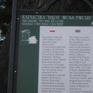 pszczyna-park-zamkowy-kapliczka-badz-wola-twoja-tablica