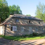 pszczyna-park-zamkowy-ludwikowka-budynek