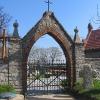 pielaszkowice-cmentarz-brama