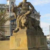 pl-1-maja-fontanna-1