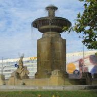 pl-1-maja-fontanna-5