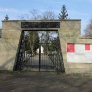 pustki-ul-trzmielowicka-cmentarz-04
