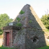 roznow-kosciol-grobowiec-w-ksztalcie-piramidy-1_0