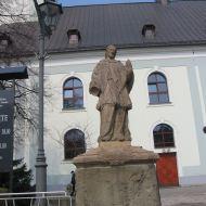 skoczow-kosciol-ss-piotra-i-pawla-figura-2