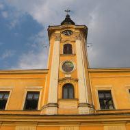 skoczow-rynek-ratusz-wieza