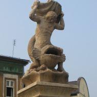 skoczow-rynek-fontanna-2