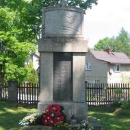 syrynia-dawny-cmentarz-pomnik-poleglych