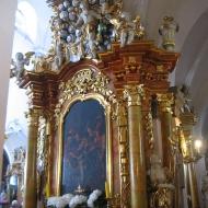 trzebnica-bazylika-wnetrze-oltarz-boczny-4
