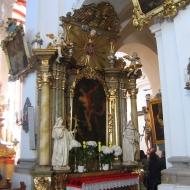 trzebnica-bazylika-wnetrze-oltarz-boczny-8