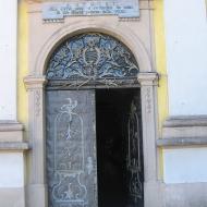 trzebnica-bazylika-drzwi-1
