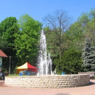 trzebnica-ul-bochenka-fontanna