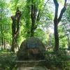 trzebnica-park-pomnik