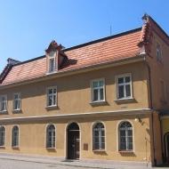 trzebnica-klasztor-budynek