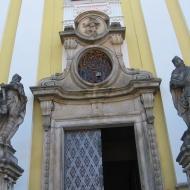 trzebnica-klasztor-portal-4