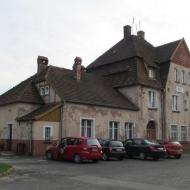 twardogora-stacja-02