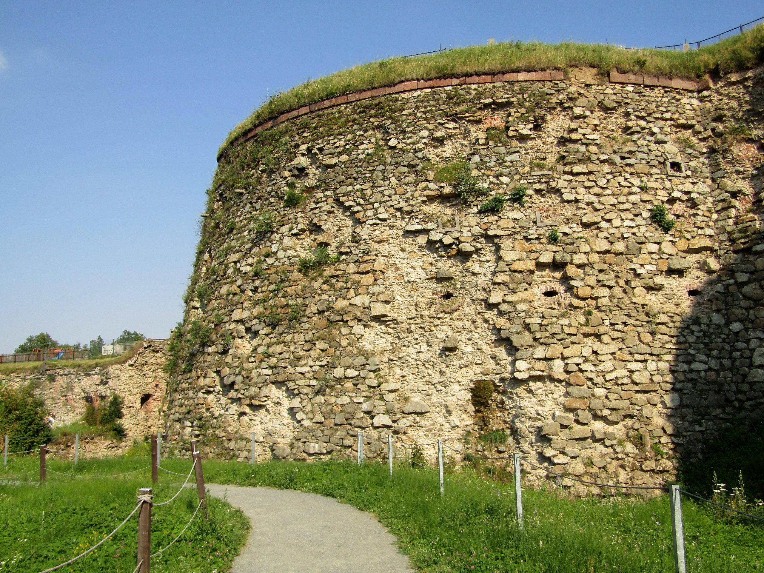 Trasa 14 Srebrna Góra – Mała Przełęcz Srebrna – Malinowa – Szeroka - Przełęcz Woliborska – Bielawa