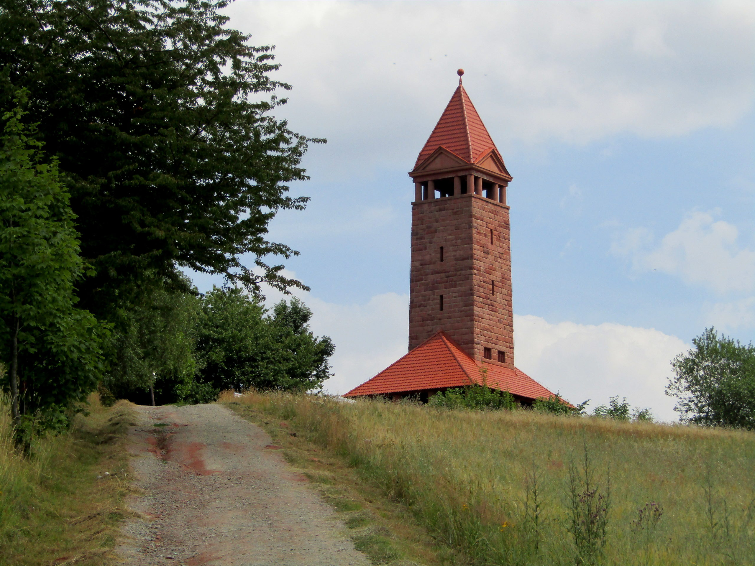 Trasa 21 Gorzuchów – Nowa Ruda Słupiec – Góra Wszystkich Świętych - Góra Świętej Anny – Nowa Ruda